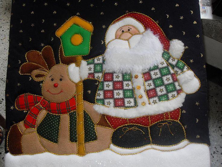 Navidad, se aproxima la navidad y ya mi casa esta llena de hilos agujas tijeras, telas y fieltros .