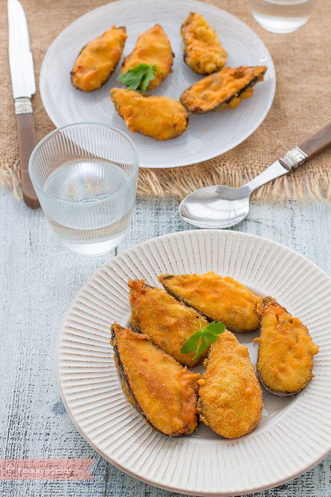 Los mejillones son un aperitivo riquísimo, un verdadero manjar de los dioses. Descubre cómo hacerlos en esta receta paso a paso y disfruta de los mejillones.