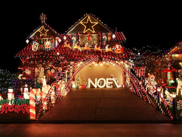 This home may be small, but the Christmas display is nothing less than extravagant and over-the-top. With no theme in mind, the entire house, yard and roof are covered in the brightest and most holiday-inspired pieces.