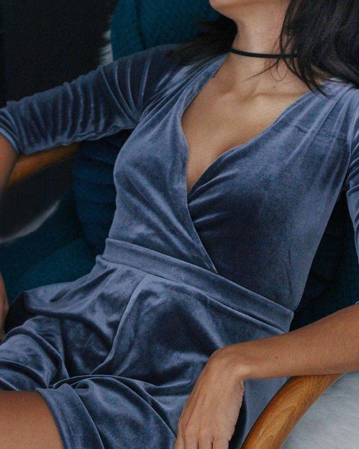 /// blue velvet; urban outfitters