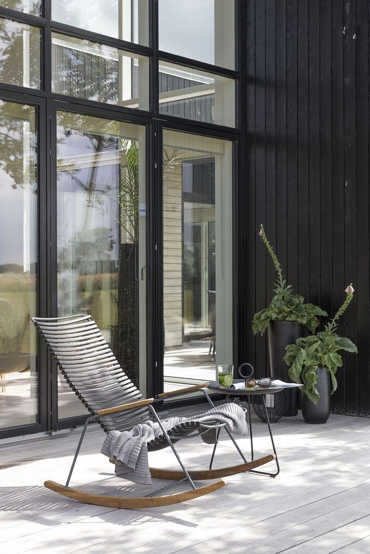 click schaukelstuhl und eyelet beistelltisch von houe gem tlicher kann keiner mal eben die. Black Bedroom Furniture Sets. Home Design Ideas
