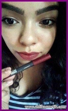 4.Cantikan Bibirmu dengan Kiss Proof Lipstick