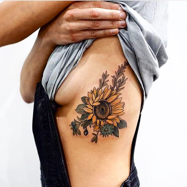 """350 mentions J'aime, 9 commentaires - Sarah & Margarita (@theadornedduo) sur Instagram : """"This tattoo has us written all over it  Who else? Via @sophiabaughan #sunflower #sonnenblume…"""""""
