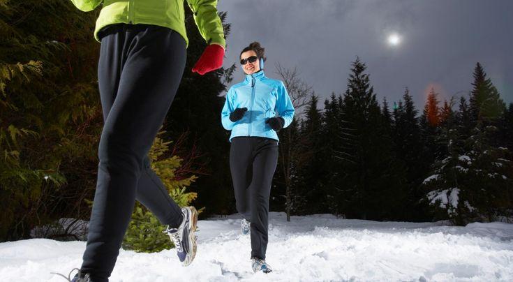 Zima nie jest przeciwwskazaniem do biegania. Należy jednak pamiętać, że zimowy trening różni się od standardowego  www.polskieradio.pl YOU TUBE www.youtube.com/user/polskieradiopl FACEBOOK www.facebook.com/polskieradiopl?ref=hl INSTAGRAM www.instagram.com/polskieradio