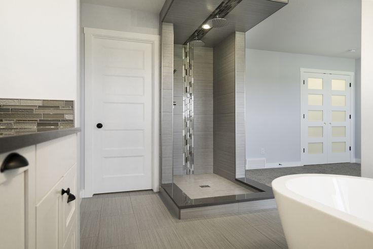 Open concept en-suite & master bedroom