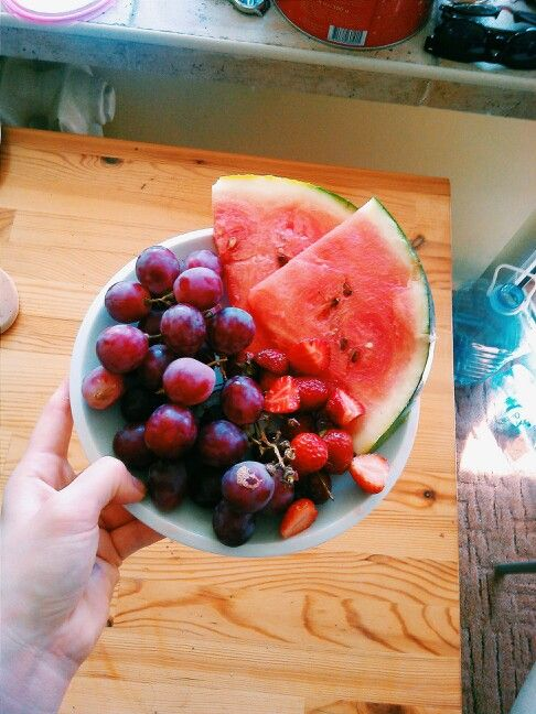 Healthly snacks! Watermelon strawberries and grapes :) better than chips and junk food