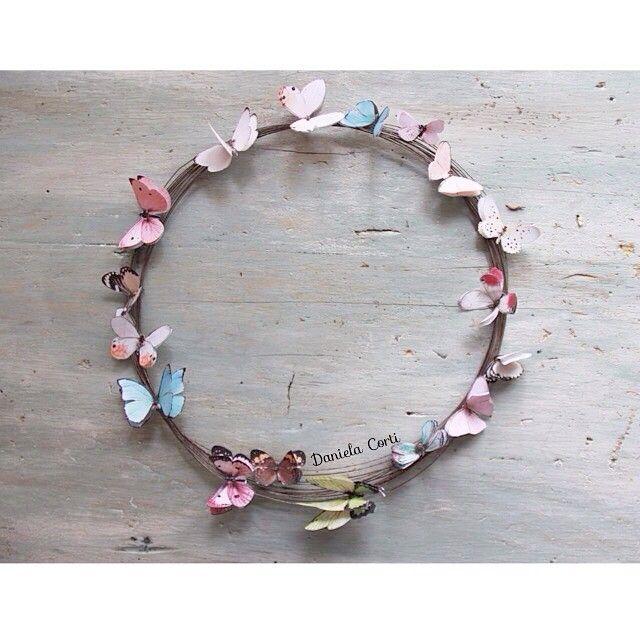 """""""Mi piace"""": 251, commenti: 47 - Daniela Corti•Wire & Textile (@filidipoesia) su Instagram: """"Farfalle che si rincorrono... E portano la primavera in casa Auguro un bellissimo venerdì a tutti!!…"""""""