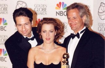 Duchovny, Anderson& Carter = the team who made The X-Files one of the best shows EVER!!