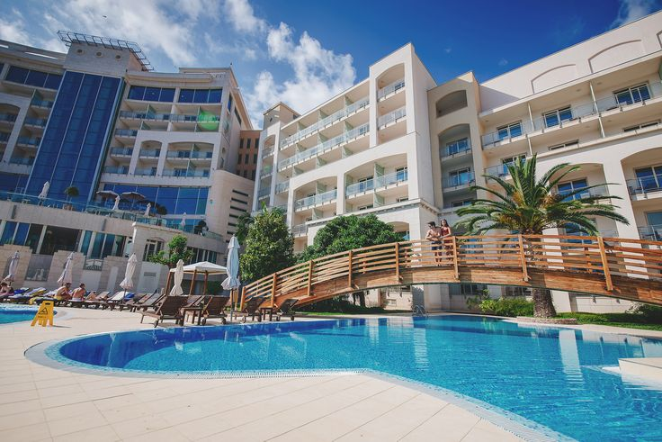 Luxury and grandeur in harmony with the nature. Hotel Splendid 5*, Montenegro Book on our website at the best rates and get a free treatment in the hotel's luxurious SPA centre! www.montenegrostars.com  Luksuz i raskoš u skladu sa prirodom. Hotel Splendid 5*, Crna Gora Rezervišite na našem web sajtu po najpovoljnijim cijenama i  dobijate besplatan tretman u  raskošnom SPA centru hotela! #hotelsplendid #montenegro #travel #summer #beach