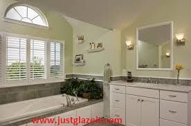 Bathtub Repair and Bathtub Refinishing By Super Glaze.