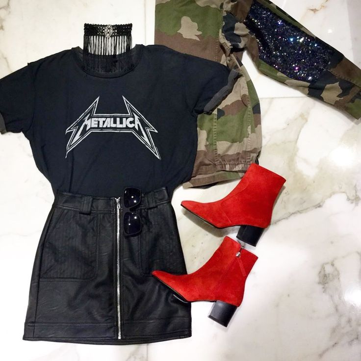Work a casual look in this rich cotton tee featuring Metallica by And Finally. The printed tee features a vintage-look classic motif, and is finished with a loose fit for casual-cool vibes. #Topshop