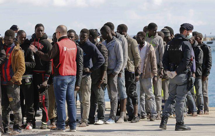 """La Dda di Palermo denuncia: """"Dietro agli sbarchi ci sono gruppi armati libici"""". Alcune milizie sono legate allo Stato islamico"""