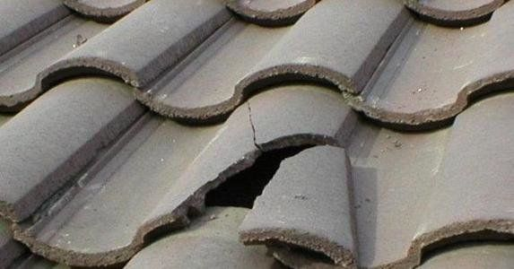 Broken Roof Tiles An Easy Fix Roof Tiles Roof Roof Repair