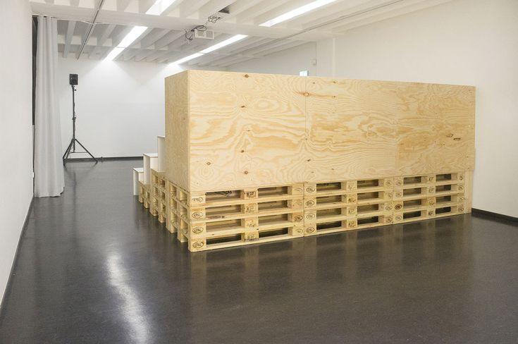 Kino Tribüne für die Kunsthalle Darmstadt von Spacekitchen Frankfurt