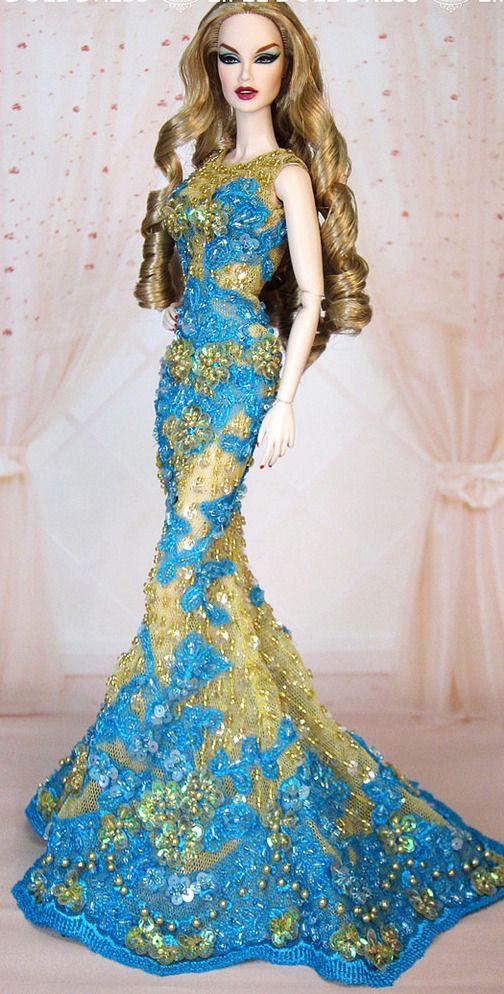 FAShion Doll Blue  y doree *