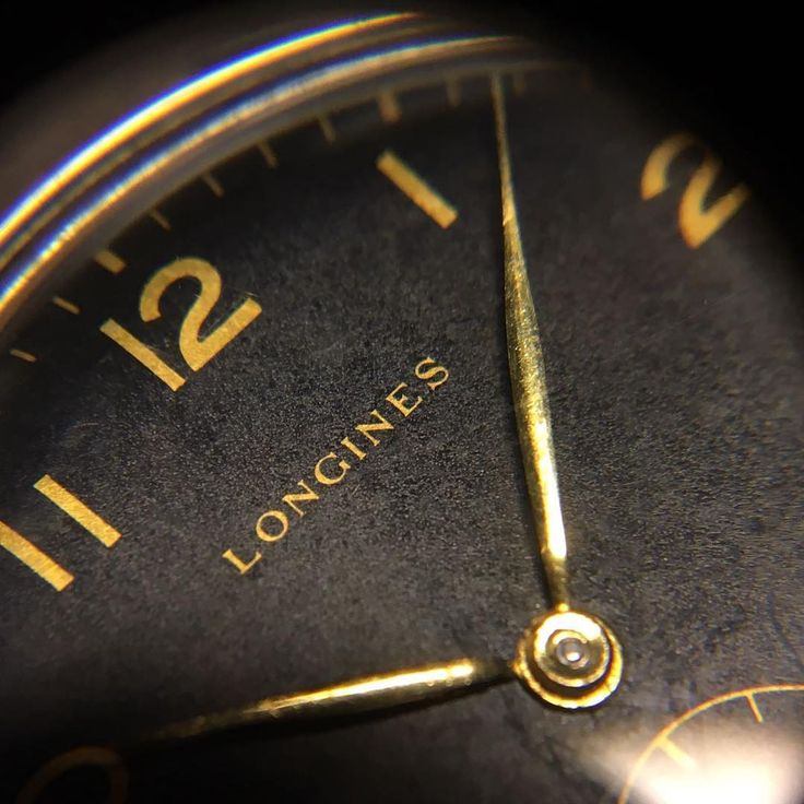 They don't make them as they used to... . . . #anciennewatches #barcelona #madrid #longines #calatrava #oversized #gilt #giltdial #vintagewatch #vintagelongines #style #watch #watchoftheday #longineswatch #vintagestyle #watchfam #wotd #macro #vintagepassion #class