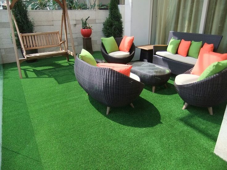 Fake Grass carpet gives amazing look on Balcony