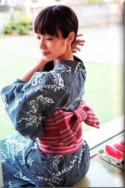 前田希美浴衣