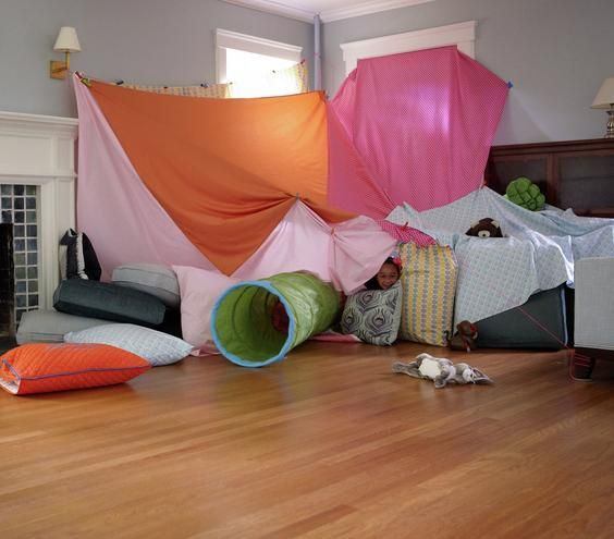 Amazing Blanket Fort Ideas | Kids fort indoor, Blanket ...