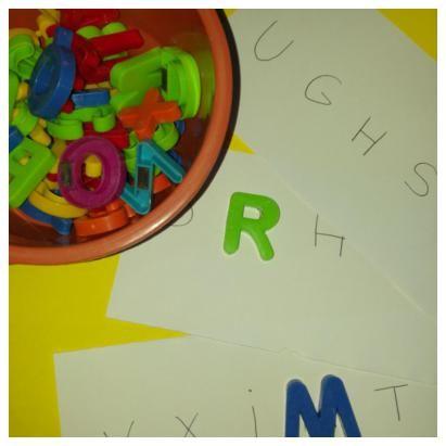4 ideas jugar con letras magnéticas con niños - Aprendiendo con Julia