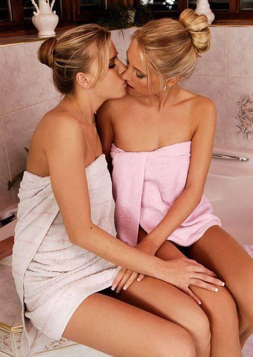 nude teens kissing
