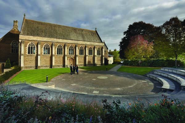 William Dampier got a good education at this school   King's  School is a small school located in the scenic Somerset town of Bruton. Founded in 1519,