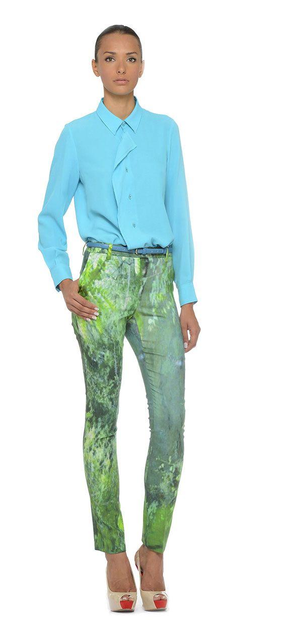 #Organic for Life #Organic for Dress, non semplici hashtag, ma una filosofia di vita per YOJ Laura Strambi. Colori, stampe d'artista per abiti fatti a mano.http://www.sfilate.it/212432/le-stampe-dartista-sui-tessuti-eco-sostenibili-ed-e-organic-life