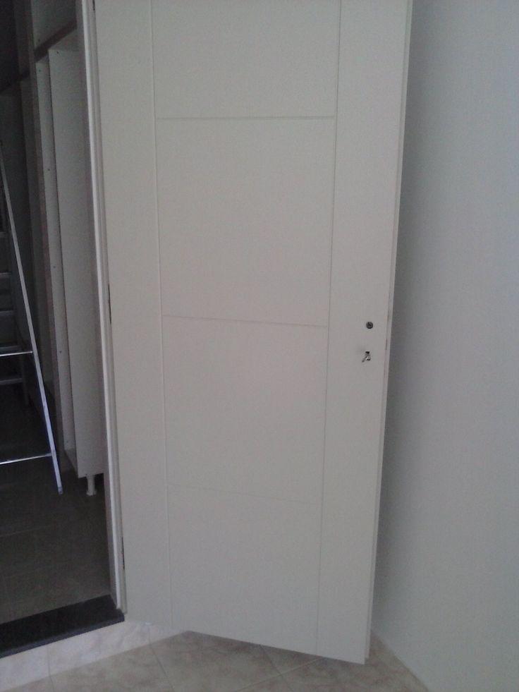 πορτα εσωτερική m.d.f λάκα.  ΕΠΙΠΛΑ ΚΑΦΡΙΤΣΑΣ