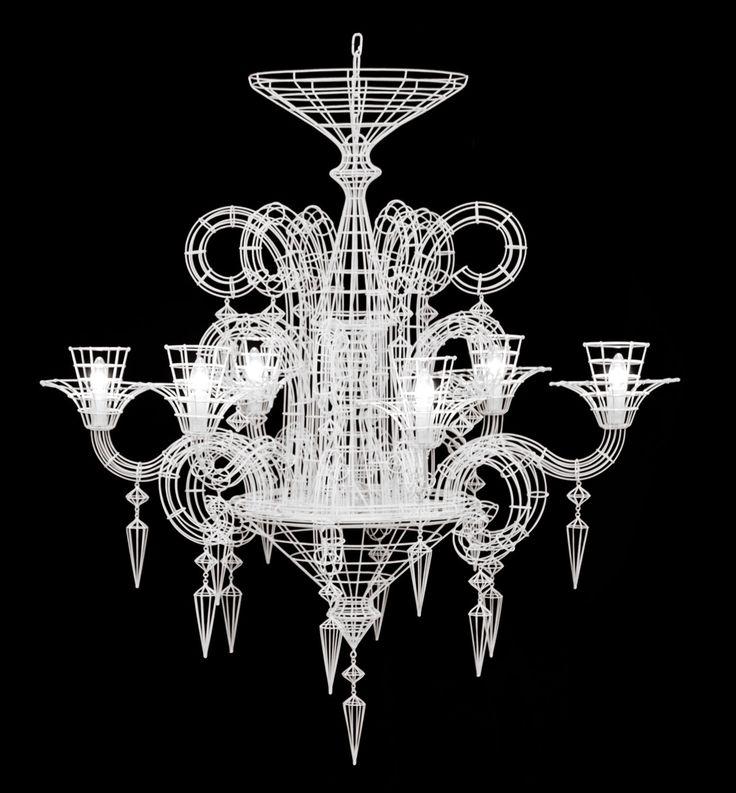 """Lampadario in filo metallico bianco """"Angel"""" a noleggio. Illuminazione per allestimenti di matrimoni e ricevimenti eleganti. Wedding ideas, idee per matrimonio. Preludio Noleggio e Catering."""