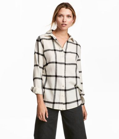 b7f91626 Natural white/black checked. Shirt in woven, checked cotton fabric with  buttons at front and at cuffs. Rounded hem. Longer at back.