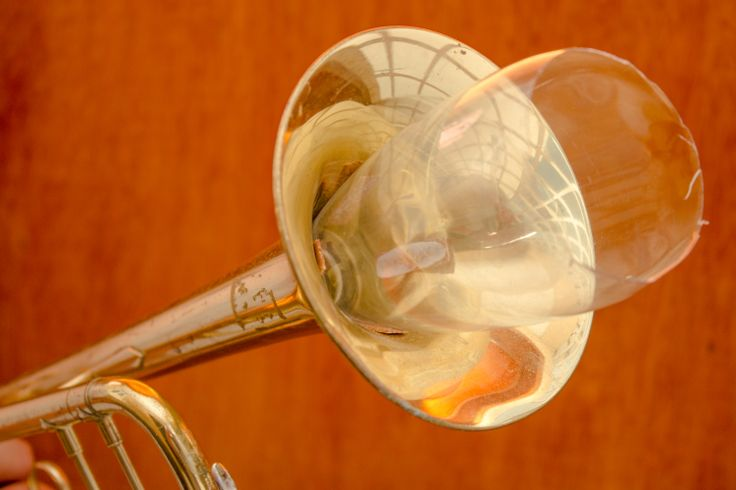 How to Make a Homemade Trumpet Mute From a Plastic Bottle