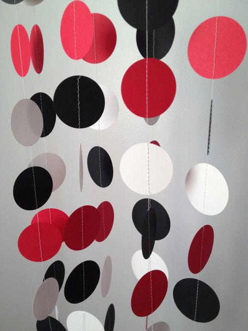 Red Black White 12 ft Circle Paper Garland Party Decorations Birthday - http://www.babyshower-decorations.com/red-black-white-12-ft-circle-paper-garland-party-decorations-birthday/