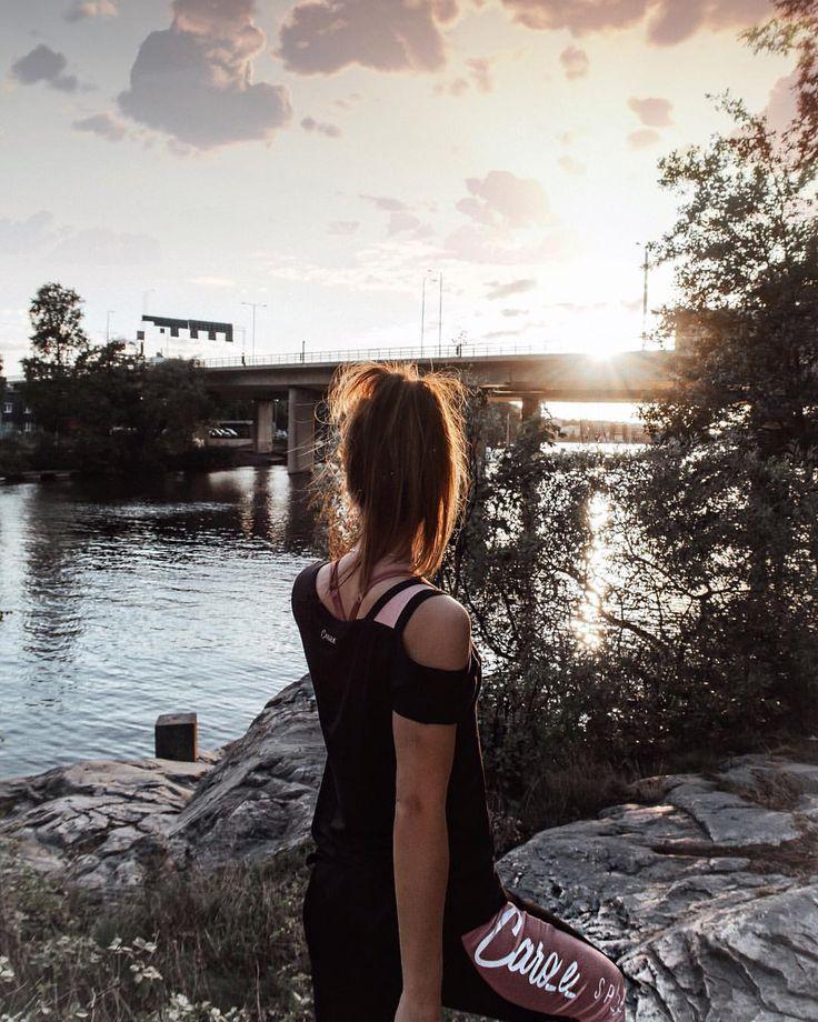 "273 Likes, 6 Comments - Nina Alina den Ruijter 🇳🇱🇵🇱 (@nina.alina) on Instagram: ""Magical evening run ✨ wearing: @caro_e_ x @hunkemoller #hunkemoller #caro_e #evening #run…"""