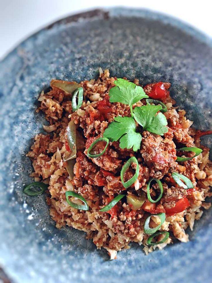 Paprika-Hack-Pfanne mit Blumenkohlreis Essen ohne Kohlenhydrate Low Carb & Paleo