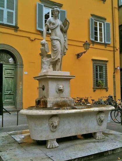 Lucca Apartment historic centre. www.lucaevillas.it