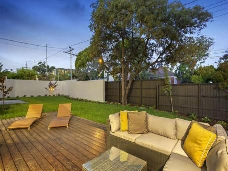 Outdoor luxury - 1a Pental Road Caulfield North