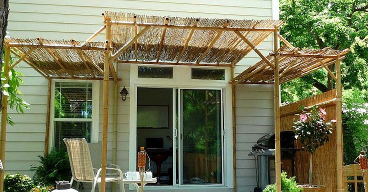 Simple and easier to diy bamboo deck roofing and walls for Simple pergola ideas