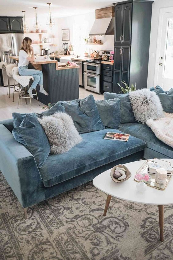 8 Exciting ways in which colorful sofas create a dreamy contrast in your living room - Daily Dream Decor