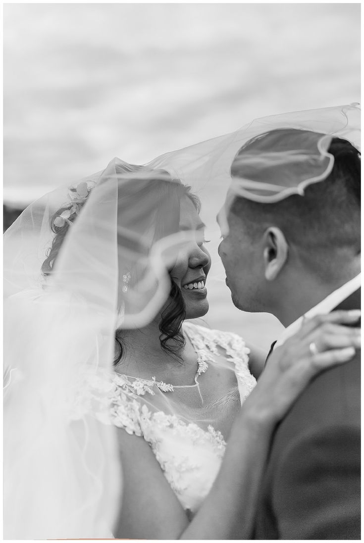 Veil Wedding Photo | Bride & Groom | Filipino wedding photos