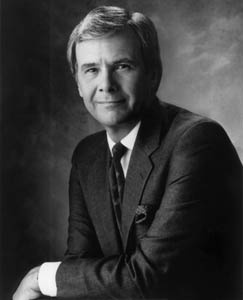 Tom Brokaw (1940 - ) News anchor that hosts NBC Nightly News. Born in Webster, SD