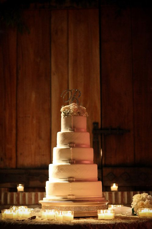 Wow! What a wedding cake! Designed by Patisserie Angelica, photo by BLR Life Photography and Cinema via junebugweddings.comCakes Desserts, Families Vineyard, Events, Cake Ideas, Blr Life, Wedding Cakes, Jacuzzi Families, Fashion Photography, Life Photography