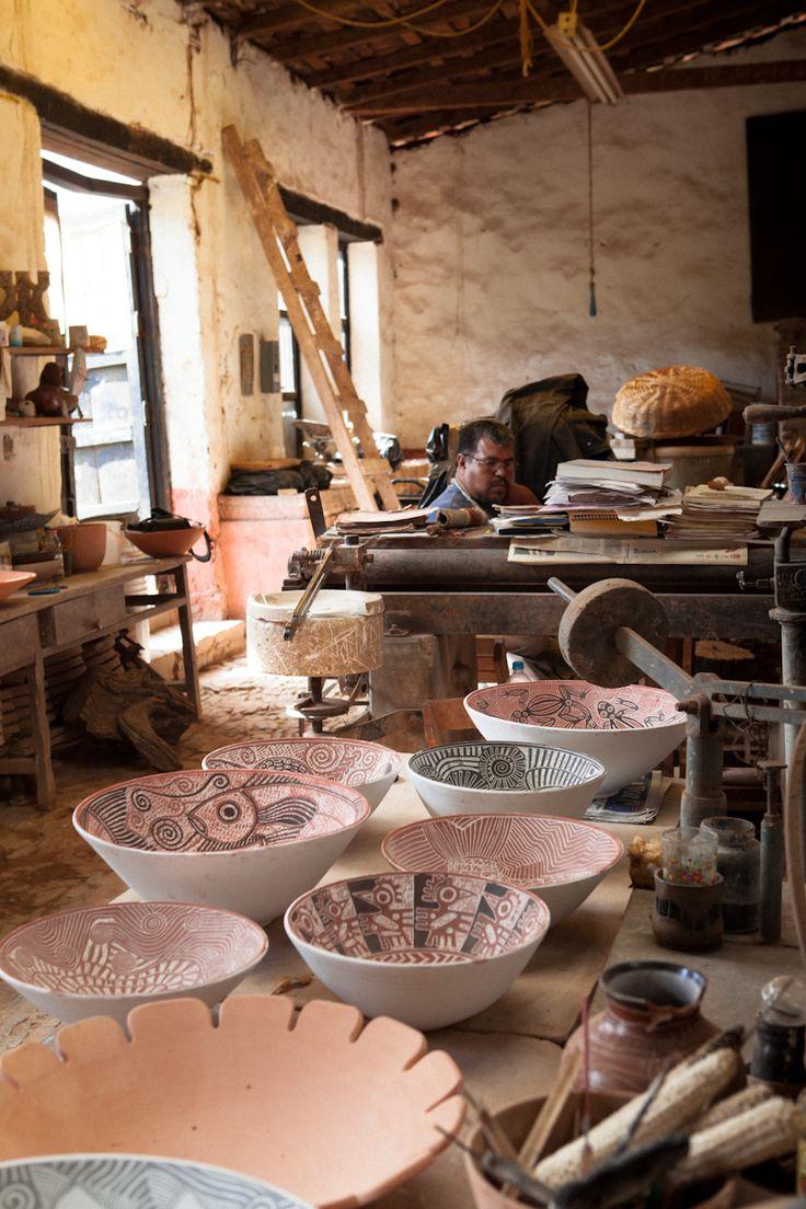 Artesanos de Michoacan (Mexican folk art artists ) | Manuel Morales, ceramist Tzintzuntzan Mexico