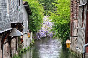 Pont-Audemer — Wikipédia