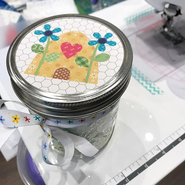 Our next Bee Happy block is super cute mason jar  #beeinmybonnet #beehappy #quilts #rileyblakedesigns