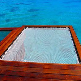 Espace de détente avec un filet sunbed - juste au dessus de l'eau #dyi #filet #catamaran #francetrampoline