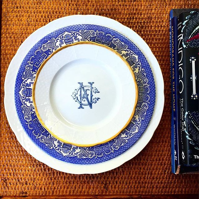 Love this look-layered with Bllue Willow #MakingDinnerwareMeaningful Sasha Nicholas Monogrammed Dinnerware - in  sc 1 st  Pinterest & 292 best Dishes images on Pinterest | Dish sets Monogram and Place ...