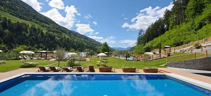 Urlaub bei Meran: 5 Sterne Hotel in Südtirol - Hotel Quellenhof