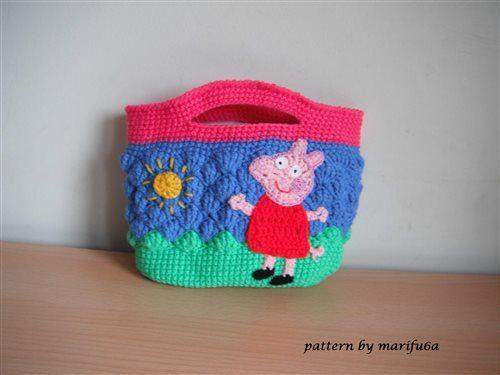 This crochet bag will make a little girl's day. crochet peppa pig purse bag - Media - Crochet Me