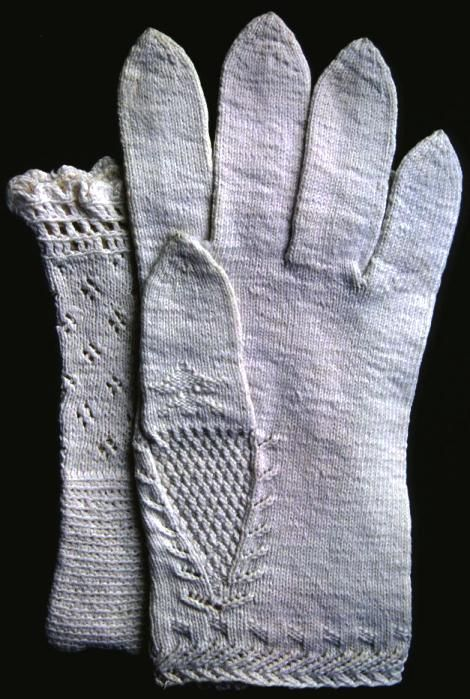Swedish mittens knitted in cotton yarn, bridal gloves, probably 1800s first half.