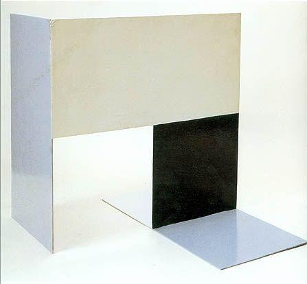 katarzyna kobro, kompozycja przestrzenna II, 1928, stal malowana na kolor biały/czarny/szary